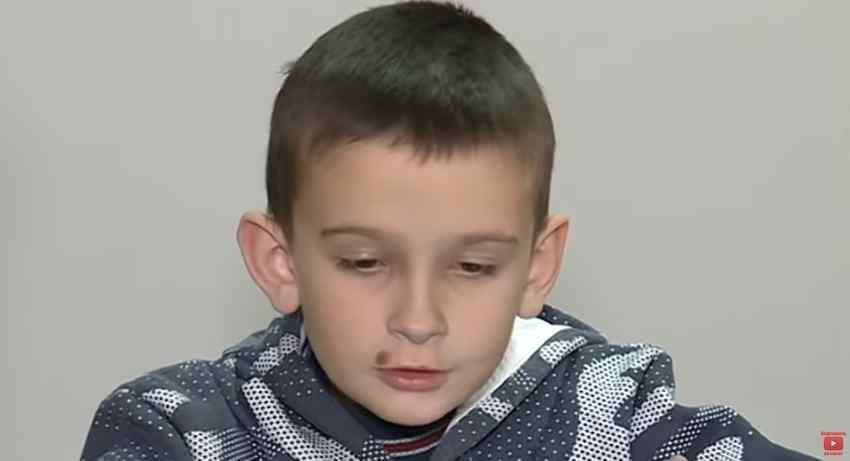 """""""9-річний Іванко два дні провів у хаті з трупом бабусі"""": Батько не віддає сина матері і тримає його у нелюдських умовах"""