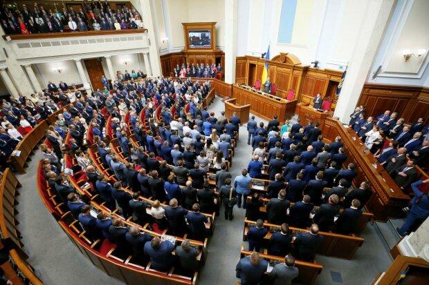 «Ще рік!»: Рада продовжила закон про особливий статус Донбасу. З'явились нові загрози