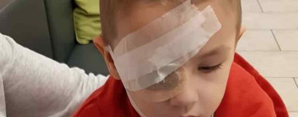 """""""Недитячі випробування 2-річного хлопчика"""": Батьки благають небайдужих врятувати Яна"""
