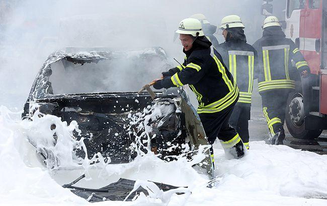 Перетворилася в палаючу купу металу: страшна трагедія сталася в центрі Дніпра. Лікарі не змогли допомогти!