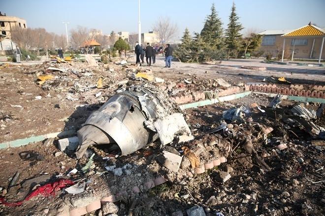 """""""Дата неправильна і дивна!"""": У Мережі опублікували нові кадри катастрофи МАУ. Була друга ракета!"""