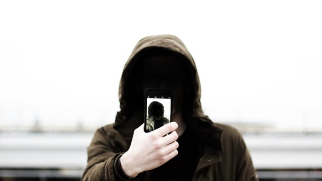 Жертва трендів. У Львові підліток загинув під час селфі. Батьки вбиті горем