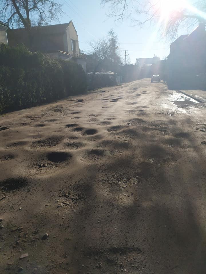 """""""Суцільні горби та ями, а тротуари взагалі зникли"""". Що робити львів'янам? – #СадовийВідремонтуйЛьвів"""