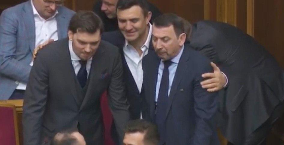 """Зеленський не звільнить Гончарука! Прем'єра спіймали на маніпуляціях. """"Показуха і піар?"""""""