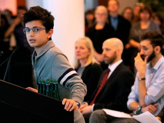 """""""Таке відчуття, ніби я сплю"""": син жертви іранської катастрофи вразив світ зізнанням про батька"""