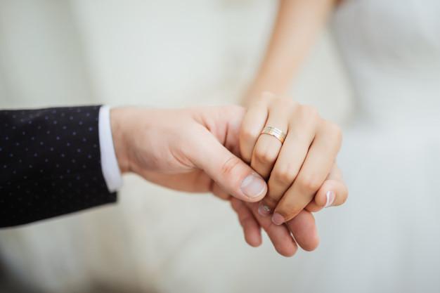 """Вона сказала """"так"""": найвідоміший """"Холостяк""""  України зробив пропозицію своїй коханій"""
