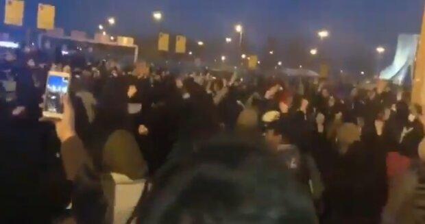 Людей не зупинити! Масові протести в Ірані через збитий Боїнг розгорілися з новою силою. Не будуть терпіти ні хвилини!