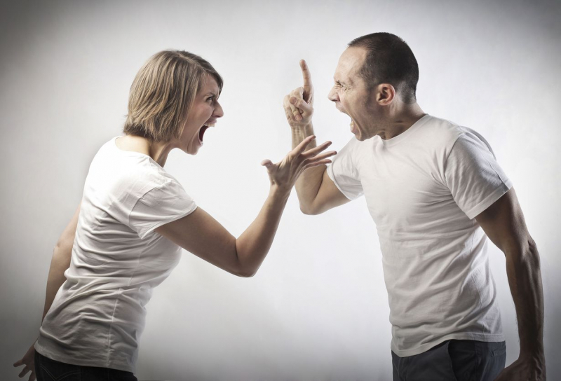 Опіки і покалічене тіло: Чоловік під час сварки жорстоко поквитався з коханкою