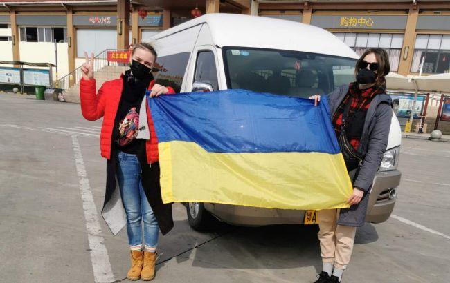 """""""Бажали смерті!"""": Мама евакуйованої з Китаю українки вразила заявою. """"Погрожували розправою"""""""