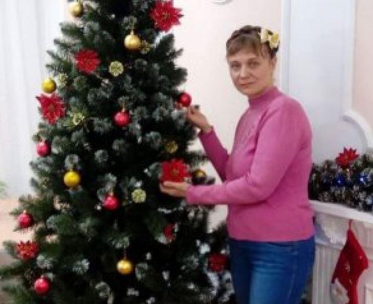 """""""Пішла з дому і не повернулася"""": Під деревом у лісі знайшли мертвою 34-річну жінку. Двоє дітей залишились без мами"""