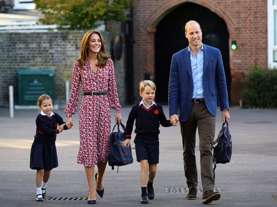 Діти Міддлтон у небезпеці! У школі принца Джорджа і принцеси Шарлотти підозра на коронавірус