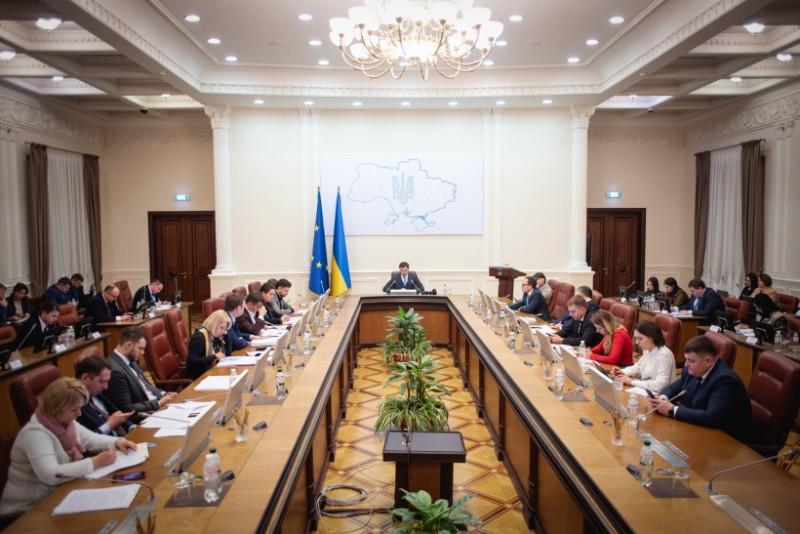 Українці приголомшені! Уряд назвав необхідну умову. Не раніше ніж…