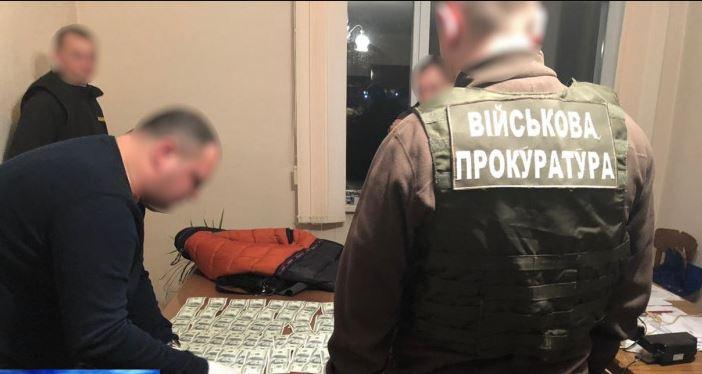"""""""Спіймали на гарячому"""": Директор заводу ДК """"Укроборонпром"""" попався на ганебному злочині"""