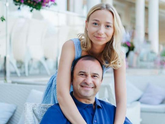 """""""Це знущання"""": наречена Віктора Павлика розповіла про скандал навколо весілля. Сина не буде"""