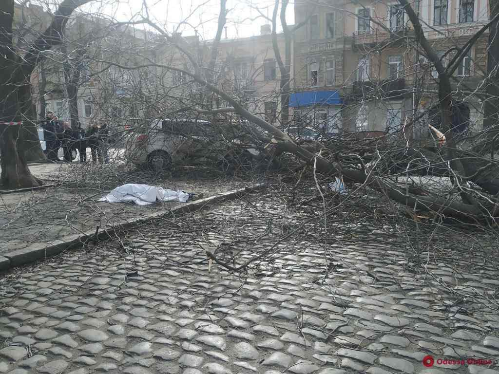 Страший ураган лютує!  В україні є перша жертва. Рідні не стримують сліз