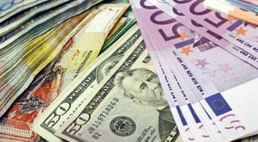 Гривня втрачає свої позиції, долар і євро йдуть на прорив. Свіжий курс валют від НБУ
