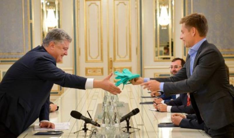 Готовий ризикнути українцями! Порошенко пішов на відчайдушний крок. Гроші на Коронавірусі