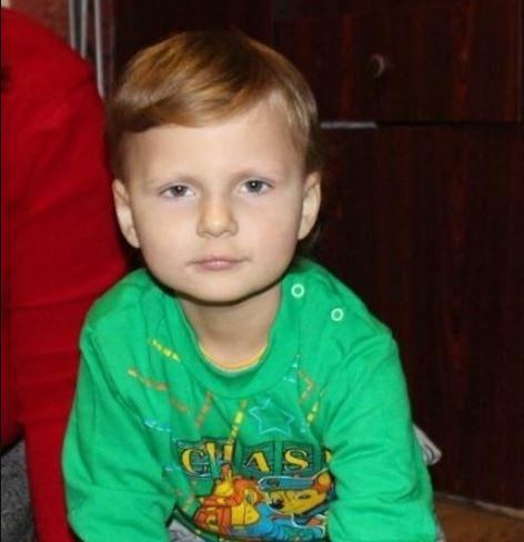 """""""Хочу, щоб мій малюк зростав здоровою і щасливою дитиною"""": Батьки Богданчика просять про допомогу"""