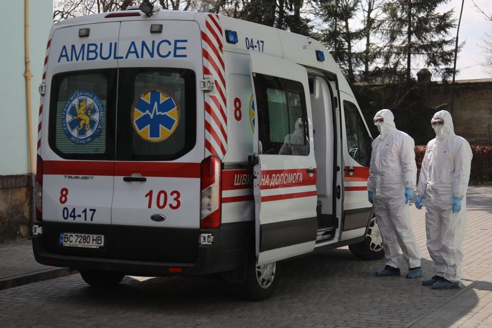 Знову антирекорд! В Україні різко зросла кількість хворих на коронавірус. Уже 261 летальних випадків