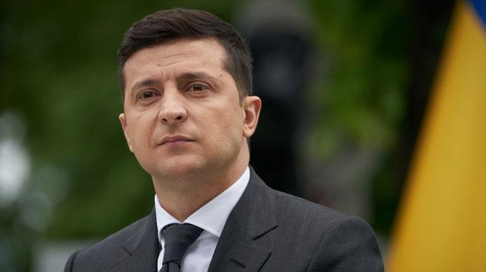 Не лише для України. Зеленський хоче відправити українські маски на експорт: відповідають всім вимогам