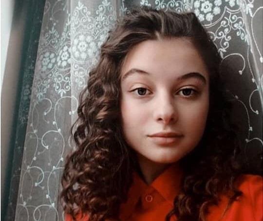 """""""Дівчинка впала в кому"""": у 15-річної Надії виявили страшну хворобу. Лікарі спочатку відправили додому"""