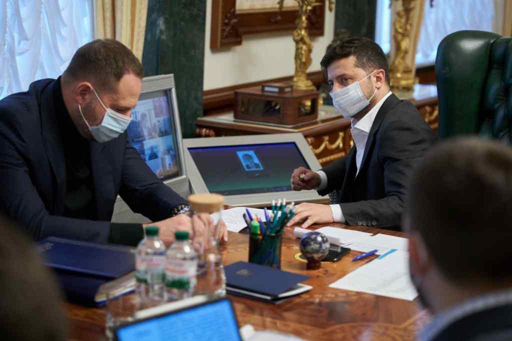 """""""Перші виклики пройшли достойно"""" Зеленський оцінив ситуацію з """"ковід"""" в країні: """"Вселяє надію"""""""