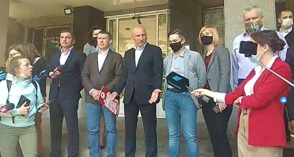 """Нажахані люди і """"депутати-смертники"""": у Черкасах після відміни карантину коїться немислиме"""