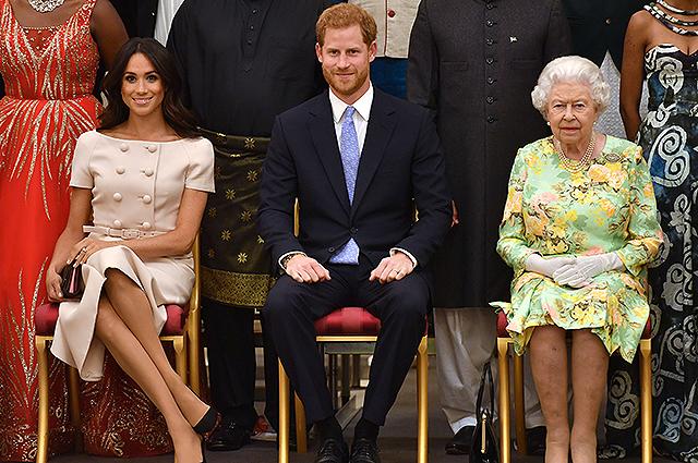 """""""І знову через Меган"""": Принц Гаррі серйозно поскандалив з королевою Єлизаветою. """"Незадовго до…"""""""