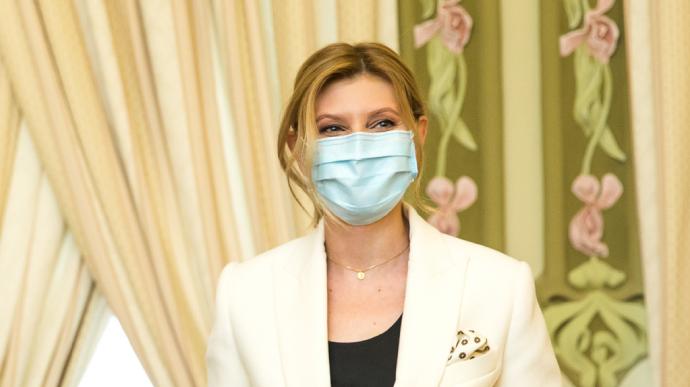 Стан хворої на коронавірус Олени Зеленської змінився. В  ОП розповіли важливі деталі