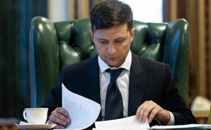 Закон вже підписаний! Зеленський прийняв ключове рішення. Стосується всіх – українці аплодують