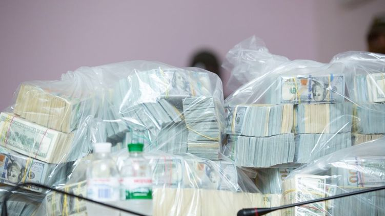 Просять домашній арешт. Неочікуваний поворот у справі суперхабаря у 6 мільйонів: Виявили Covid-19