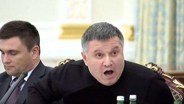 Геть Авакова! Під Радою мітинг – Борисович доповідатиме. Вже не зупинити