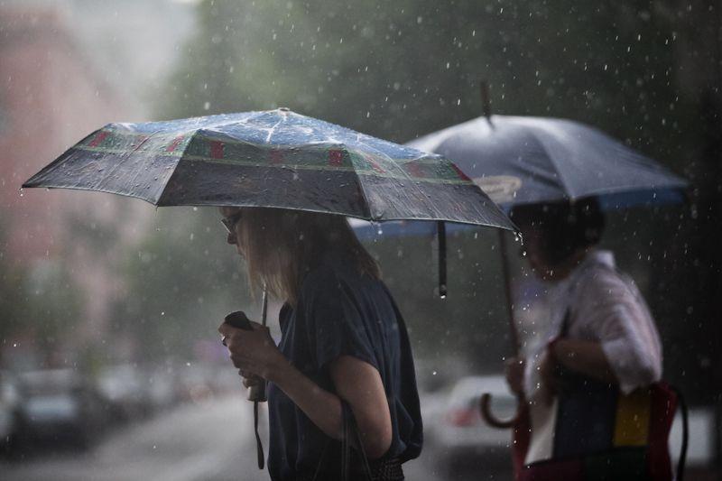 """""""Дощі і прохолода"""": Погода в Україні різко погіршиться. """"Одягайтесь тепліше"""""""