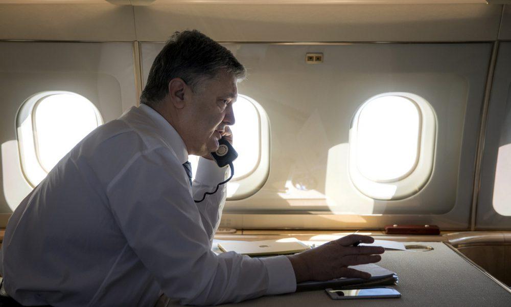 """Терміново! Разом зі всією сім'єю – Порошенко покинув країну. Просто """"перед"""" Майданом – цинізм"""