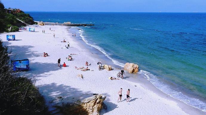 Одразу всі пляжі Одеси! Населенню рекомендують не купатися