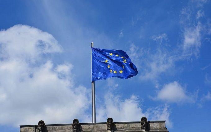 """""""Ще на два тижні"""". Рада ЄС ухвалила невтішне рішення щодо України – залишились під забороною"""