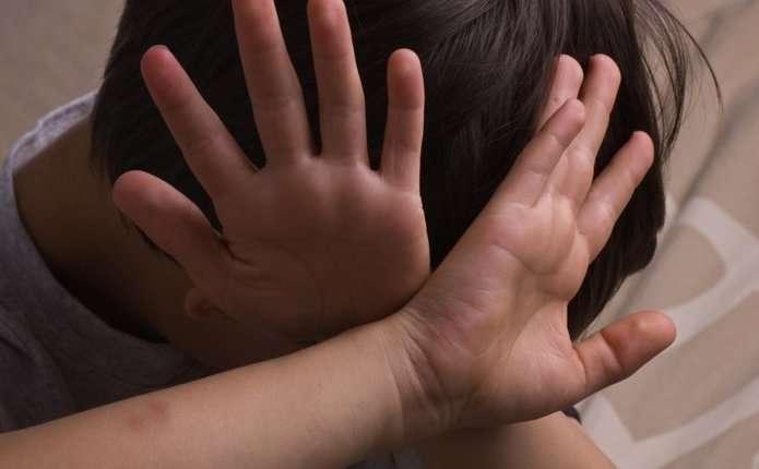 Зі слідами побоїв: до лікарні потрапила 4-річна дитина. Хлопчика забрали в батьків