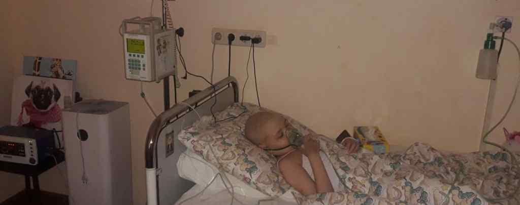 """""""Боротьба за місце під сонцем"""". Рак крові уразив 9-річну Віку: дівчинці необхідна допомога"""