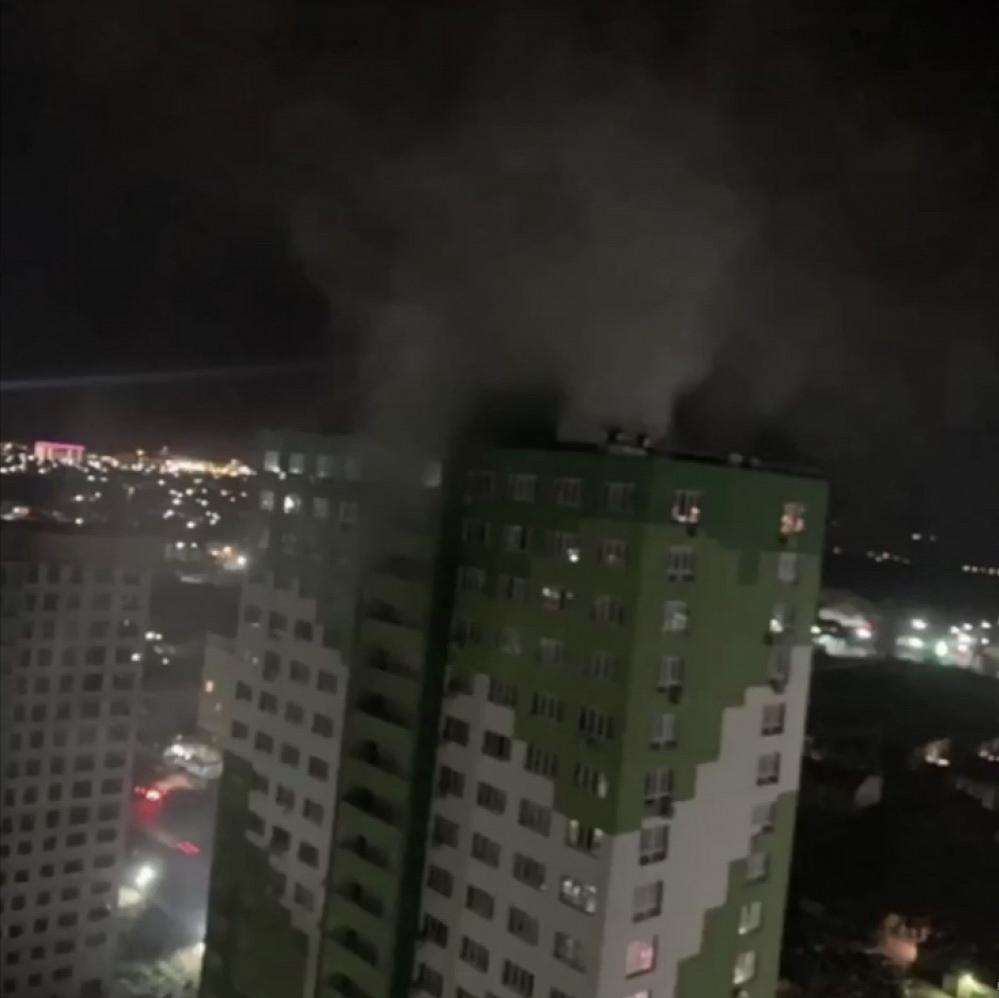 Моторошна ніч в Одесі. Горіла двадцятиповерхівка, дим було видно здалеку. Жителі попереджали