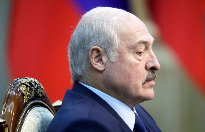 """Лукашенко """"спікся""""! Ексміністр шокував заявою, виставив свої умови. """"Змусить піти"""""""