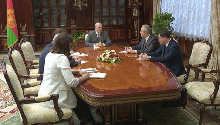 Це сталось вперше! Лукашенка вивели – він у дикому шоці. Люди побачили це – влада планує втечу