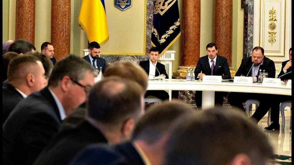 Просто зараз! Після доленосної поїздки, цього разу буде те саме: Українці аплодують. Безумовно