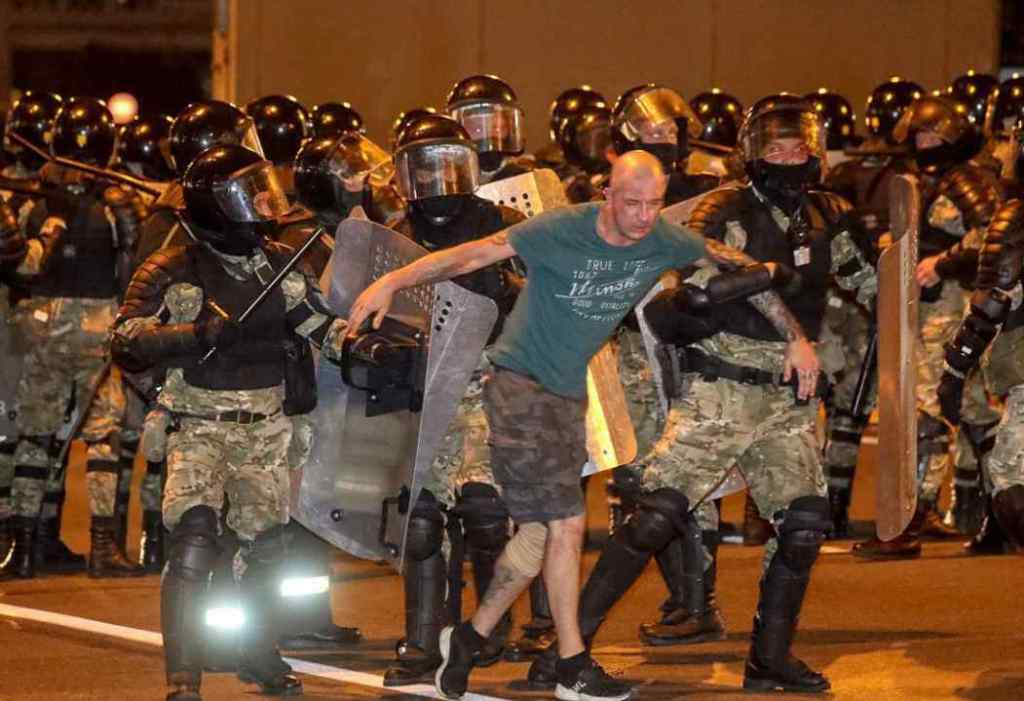 Лукашенко в шоці! В Білорусі немислиме – почався Майдан. Жорсткі сутички