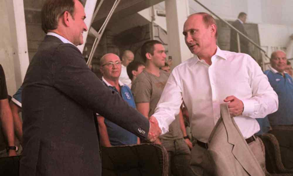 Просто в Криму! Відразу після Путіна – Медведчук пішов на це. Країна такого не чекала