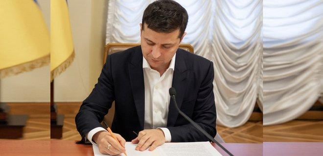 """Щойно! Зеленський підписав скандальний закон, суперечливі норми. """"Не може набрати чинності"""""""