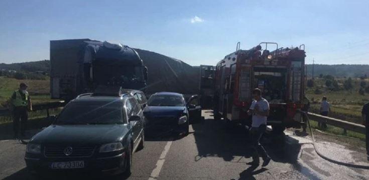 Колапс на дорозі! Поблизу Львова зіткнулись шість автомобілів – є постраждалі, рух заблоковано