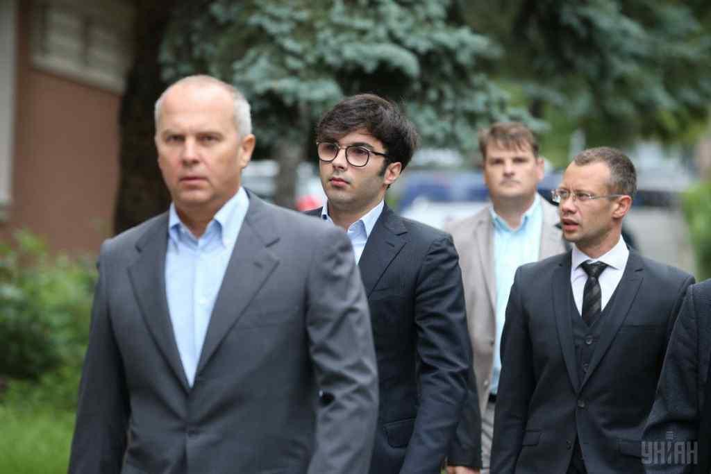 Черговий скандал! Син Шуфрича потрапив у ДТП: в самому центрі Києва. Це вже не вперше. Країна шокована