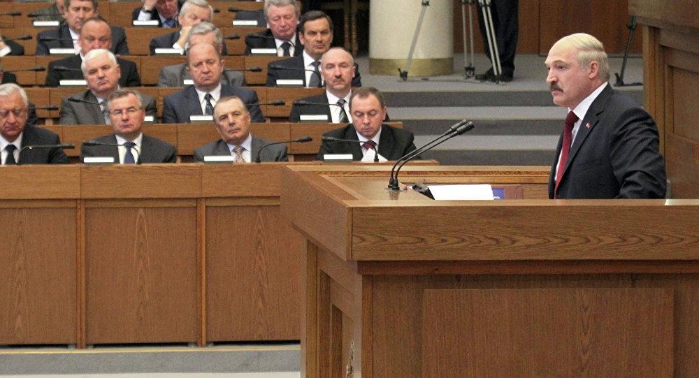 Диктатор збожеволів! Лукашенко кінець – терміново виїхати. Імпічмент – парламент зніс старого