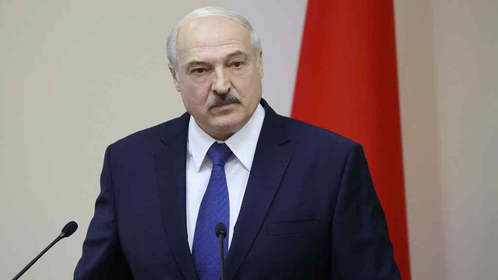 """Лукашенко зважився на відчайдушну заяву: пройшовся по всім """"сусідам"""". """"Київ приєднався до американських сателітів"""""""