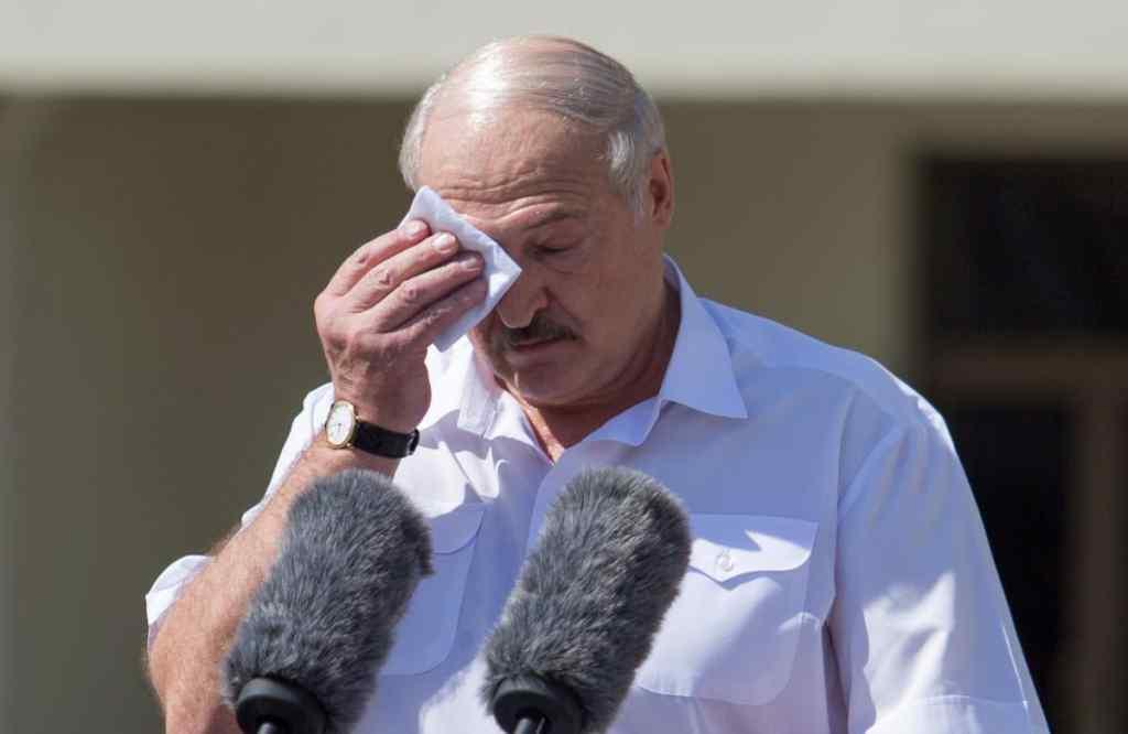 """""""Коронація"""" не допомогла! В Білорусі шокували заявою – """"немає глави держави"""". Це почули усі: нема про що говорити"""